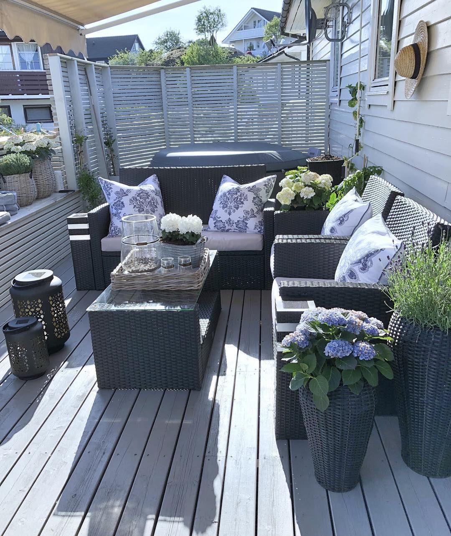 Bare Sa Utrolig Skjont Dette Vaeretha En Nydelig Kveld Enjoy Your Evening Outdoor Deck Decorating Backyard Decor Outdoor Decor Backyard