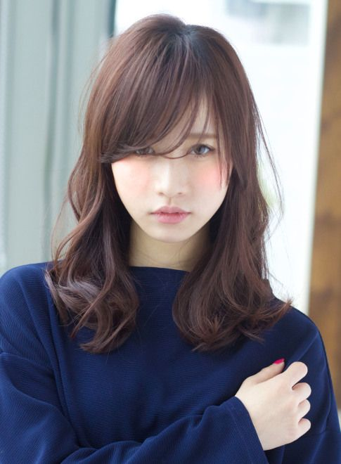 うざバング が可愛いモテスタイル セミロング たまご型顔さん向きヘア ヘアスタイル ミディアムロング 髪型