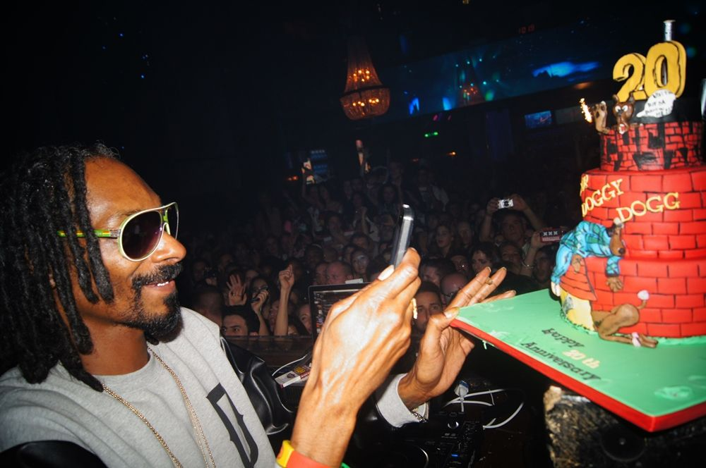 Doggystyle Cake For Snoop Doggs 20th Anniversary Of This Album