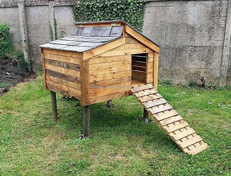 Chicken Coop Out of Recycled Wooden Pallets | Wood pallet ...