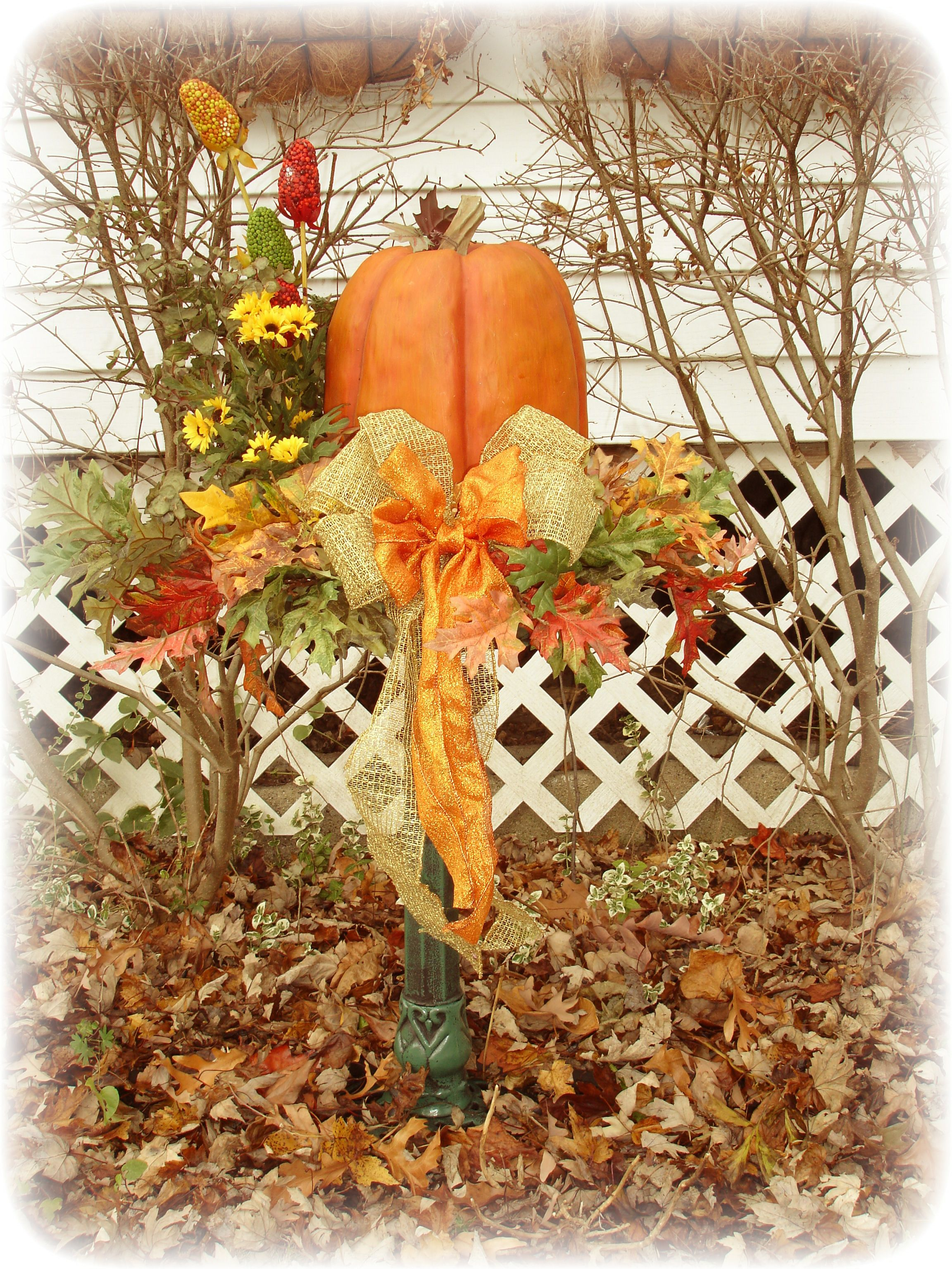 Fall decorating ideas on pinterest - Outside Fall Decorations
