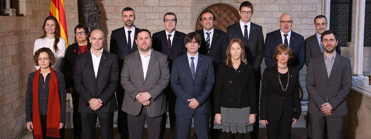Política. El último desafío de la CUP al Govern de Junts pel sí, ha supuesto que el President Puigdemont se haya manifestado cansado de un pacto que calificó de mutante. ¿Estaremos ante la ruptura de la gobernabilidad en Cataluña? Consulta los resultados de Opinión Pública en nuestra Encuesta Política