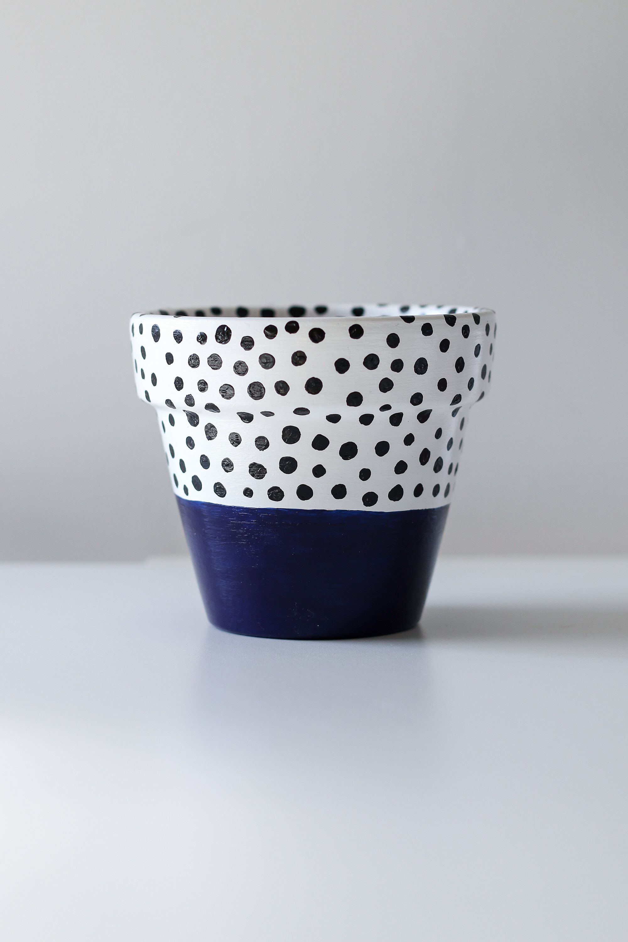 Navy Blue White And Black Polka Dot Plant Pot 11cm X 9 5cm Indoor Or Outdoor Use By Potsandpaint On Etsy Http White Plants Plant Pot Design White Flower Pot