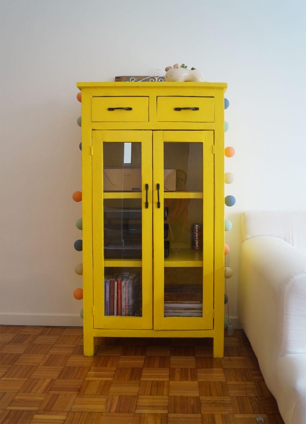 Mueble de apoyo puertas con vidrio y 2 cajones mueble for Muebles de cocina amarillos