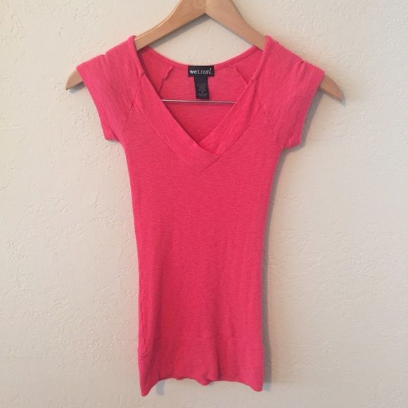 wet seal v neck cute v neck from wet seal, stretchy material, new without tags/never worn Wet Seal Tops