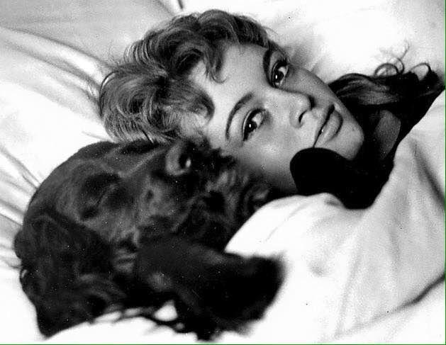 Снимки от публикация на Michelle Sunny Fleming в I Love Brigitte Bardot!