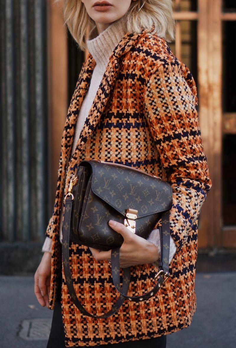 Milan Street Style Outfit  Louis Vuitton Pochette Metis bad and Tweed Coat. cd4213eba6