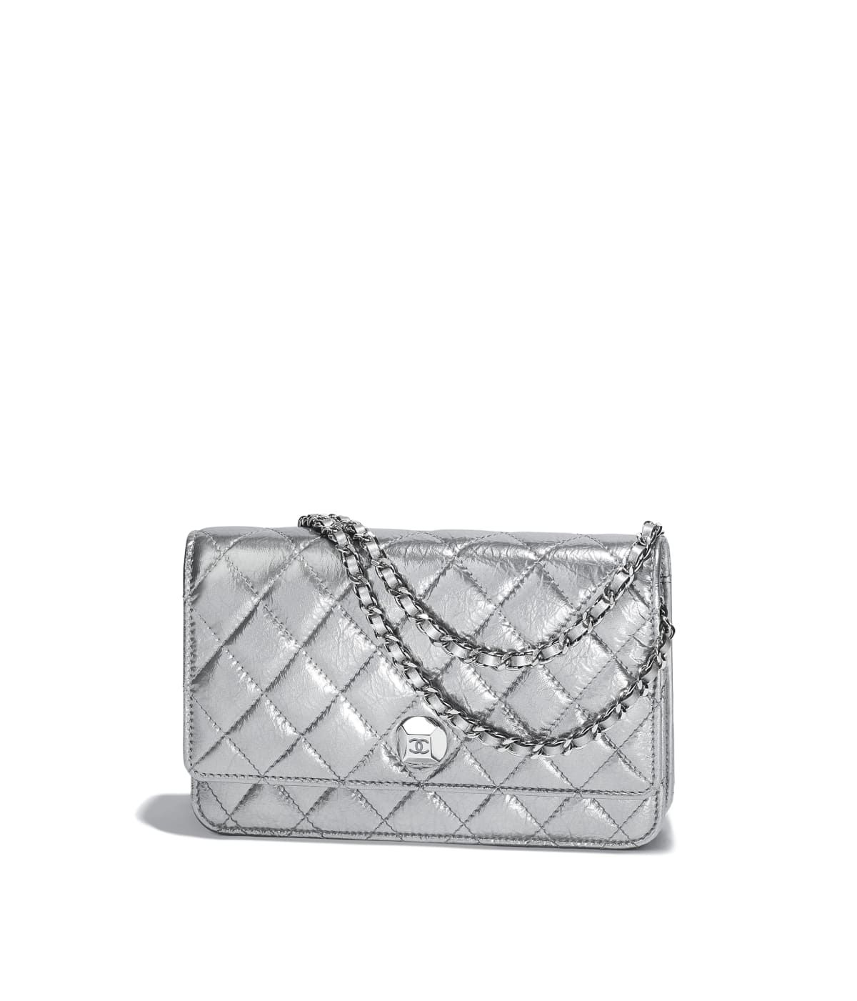 0fafb5d79fd84 Small leather goods of the Spring-Summer 2018 CHANEL Fashion collection :  Wallet on Chain, metallic aged lambskin & silver-tone metal, silver on the  CHANEL ...
