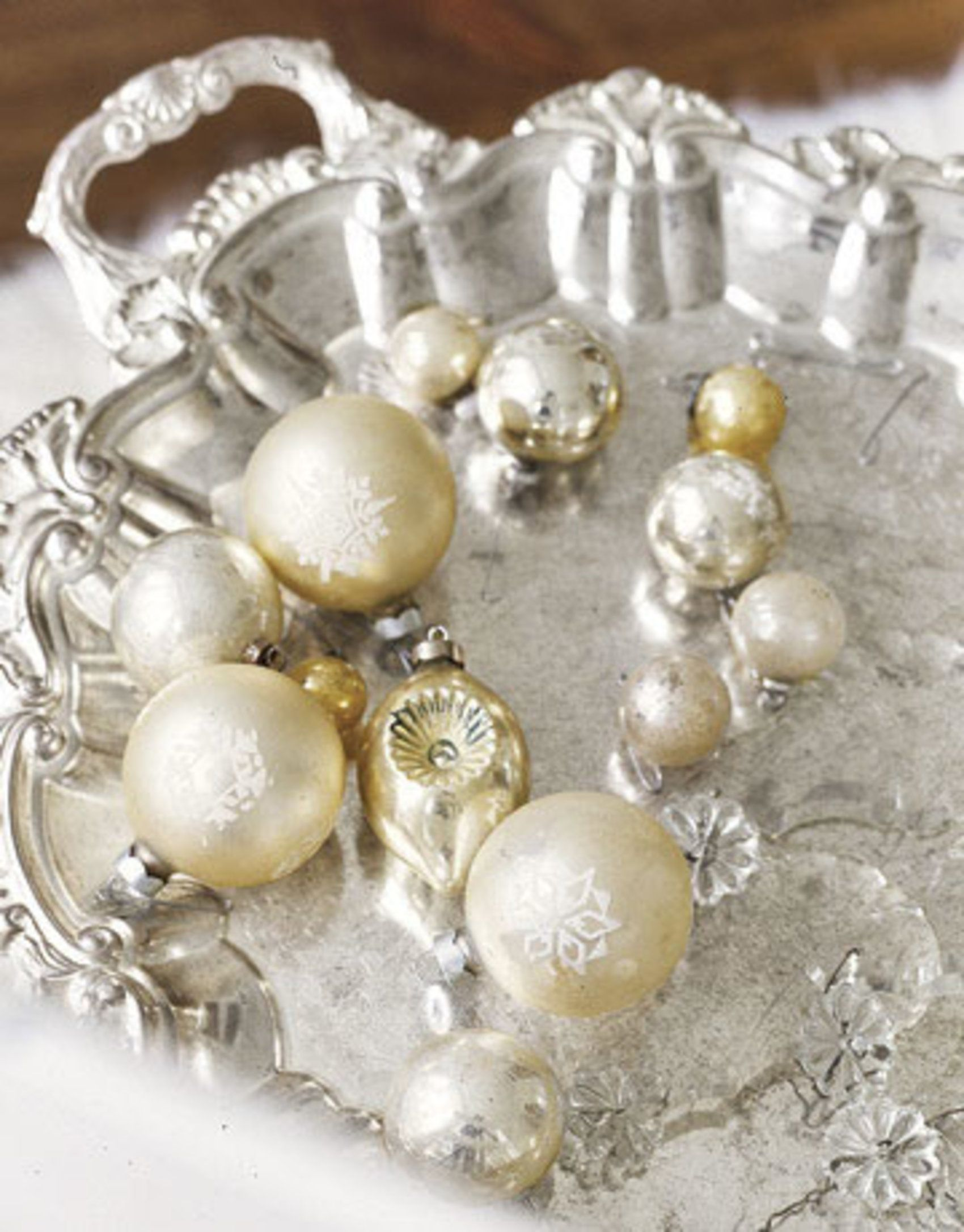 Platter with ornaments