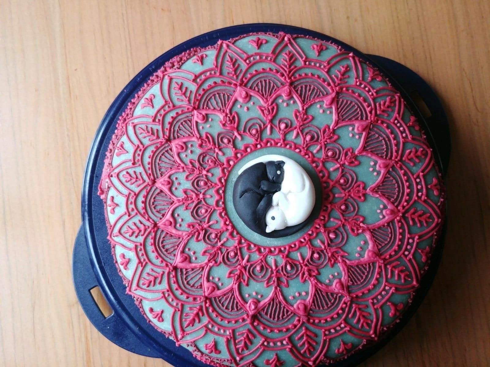 Mandala kitty cake baking cat cake eat cake naan bread