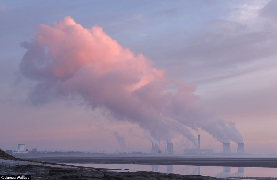 Fiddlers Ferry Power Station at dawn, Cuerdley, Cheshire, England, photographed by James Wallace