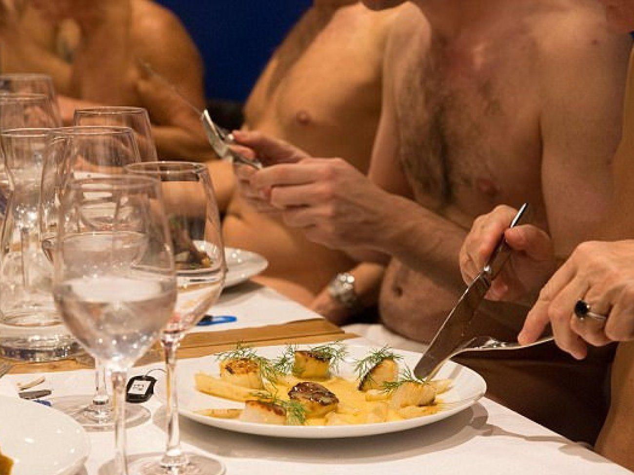 Sexy Nude Supermodels Hot Bikini Melissa Debling Topless Braless