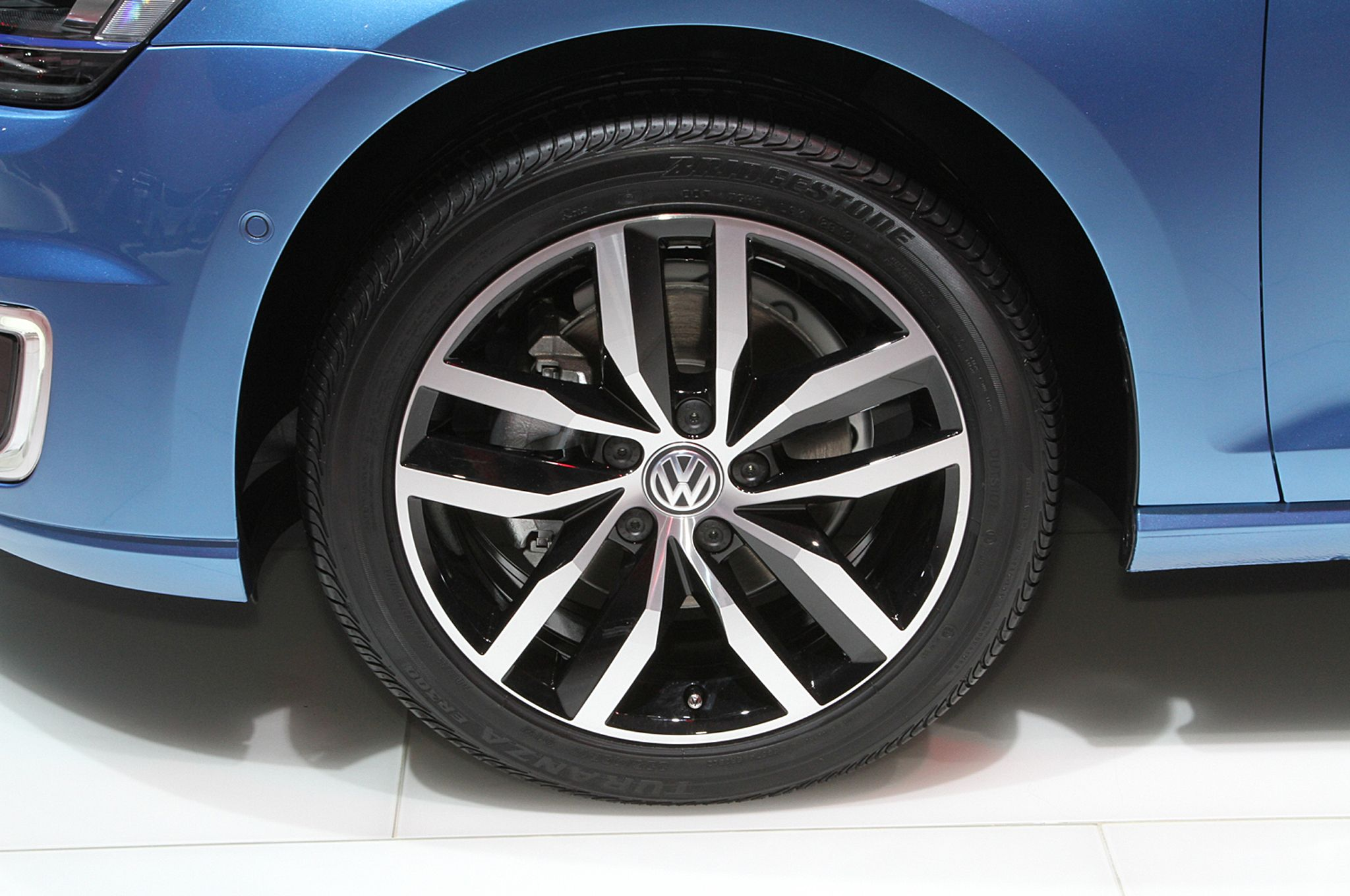 Volkswagen E Golf Wheels Photo 19