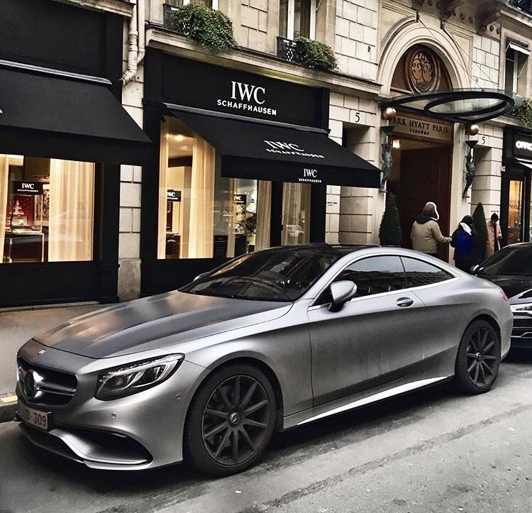 S63 AMG Coupe, In Grey Matte