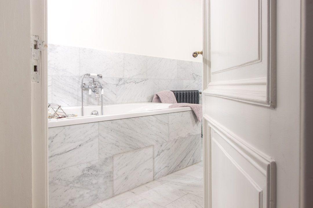 Bianco carrara gezoet #badkamer #bathroom #marmer #marble