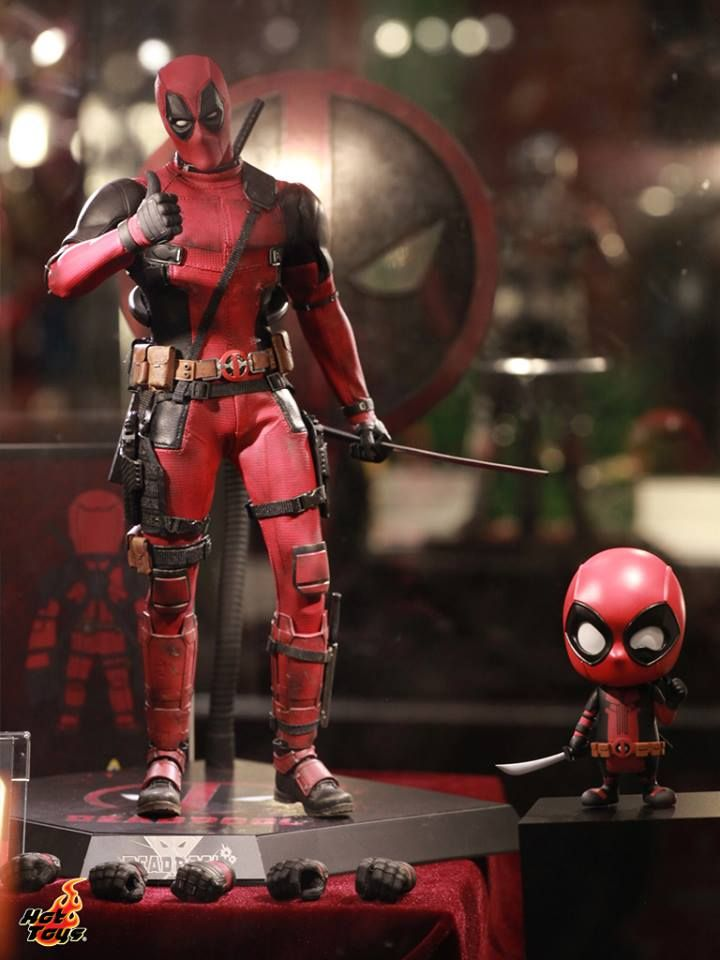 """Sideshow 1//6 12/"""" Marvel Comics Mercenary with a Mouth Deadpool Action Figure"""