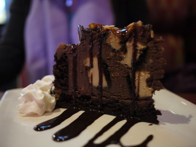 Boston Pizza Chocolate Explosion Cake In 2020 Chocolate