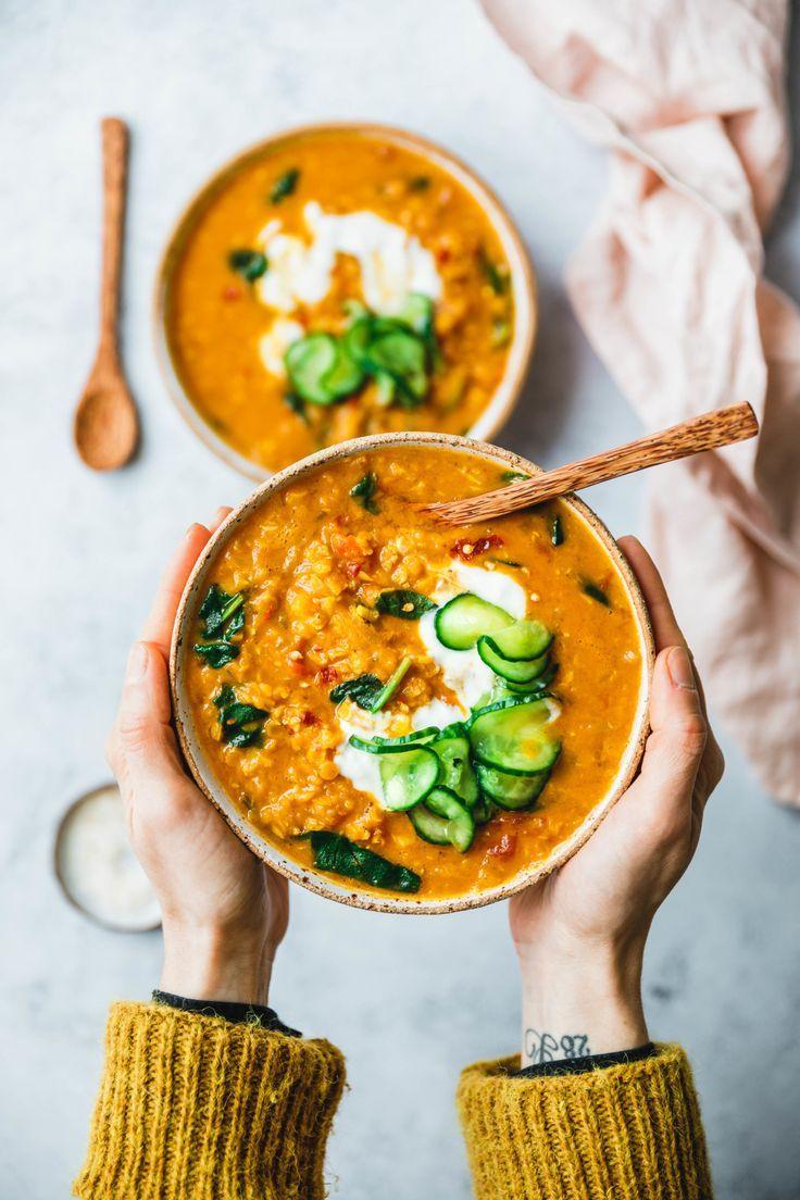 Curry-Kokos-Linsensuppe mit Spinat · Eat this! Foodblog • Vegane Rezepte • Stories #artdirection