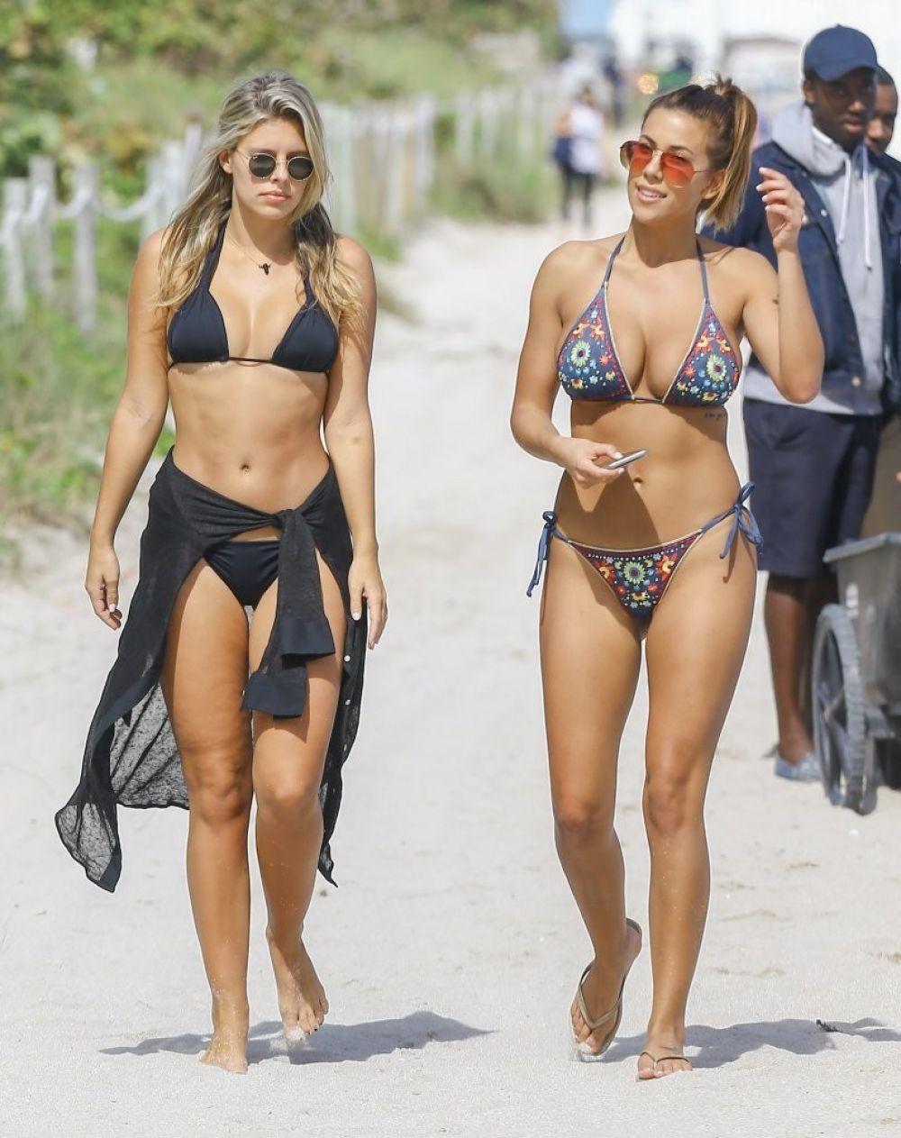 Celebrity Devin Brugman nude (58 photo), Tits, Fappening, Boobs, in bikini 2006