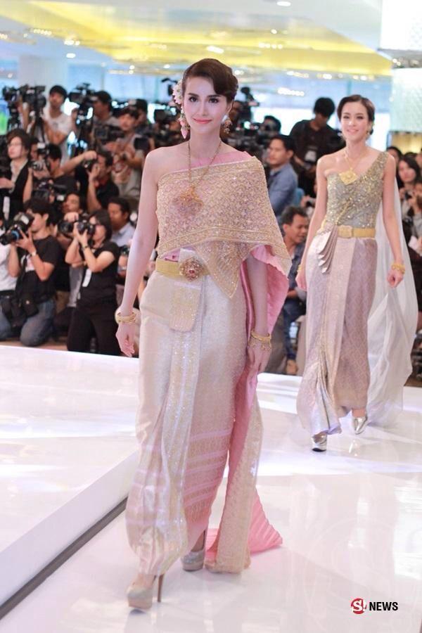 Thai dress wedding Fashion Show | ༻Thai Traditional Dress[Costume ...