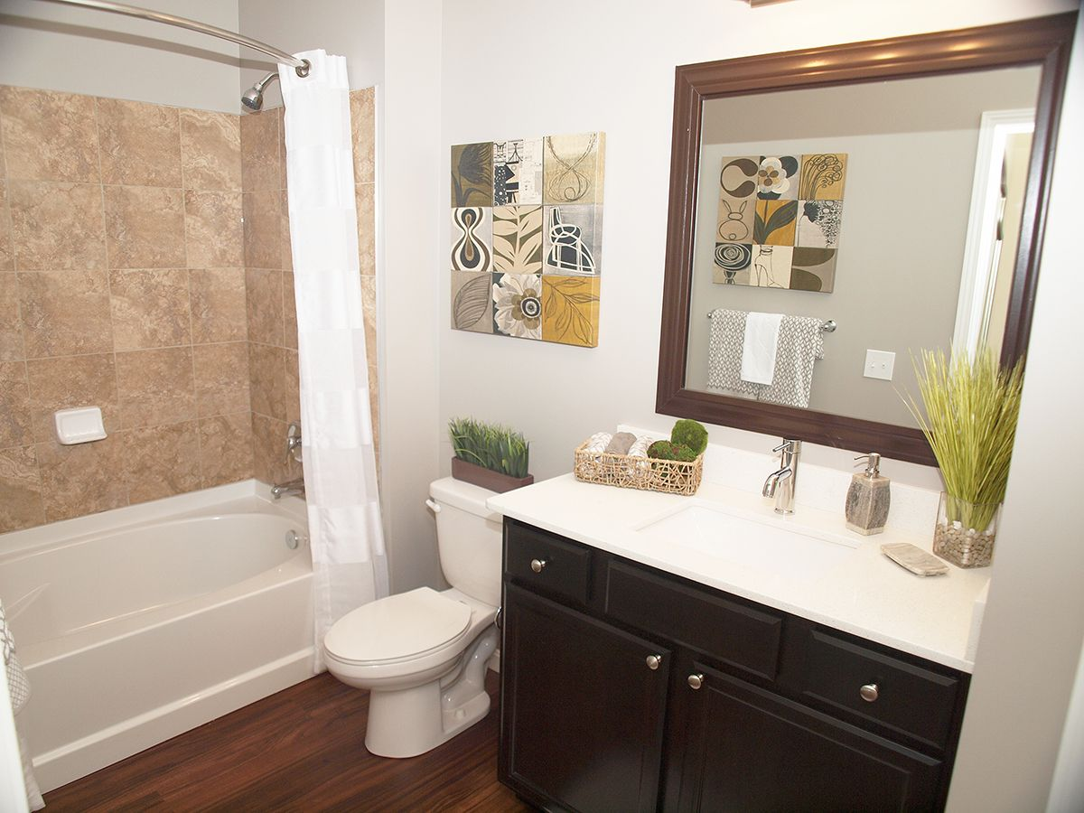 """""""Eliot"""" Guest Bathroom Two bedroom apartments, Townhouse"""