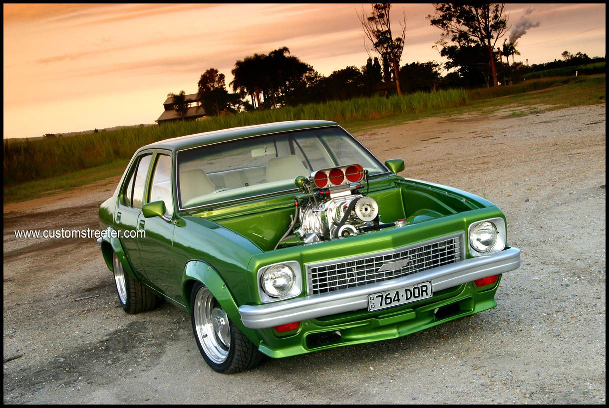 Custom Cars Small Block Chev Engine Fuel Injected Green