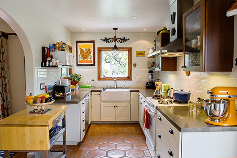 Get the Look: Modern Spanish-Style Kitchen | Spanish ...