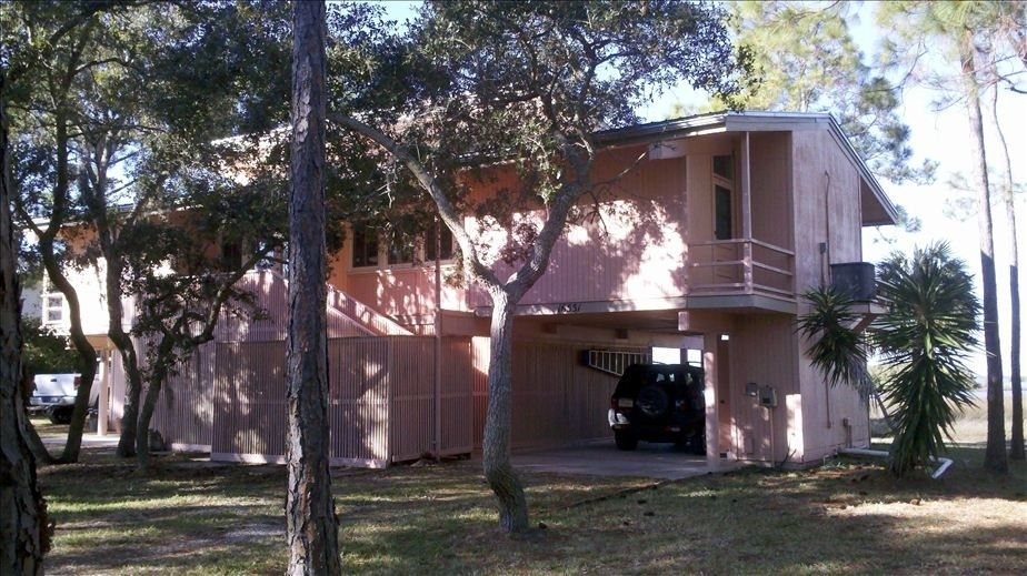 Incredible House Vacation Rental In Cedar Key From Vrbo Com Vacation Home Interior And Landscaping Transignezvosmurscom