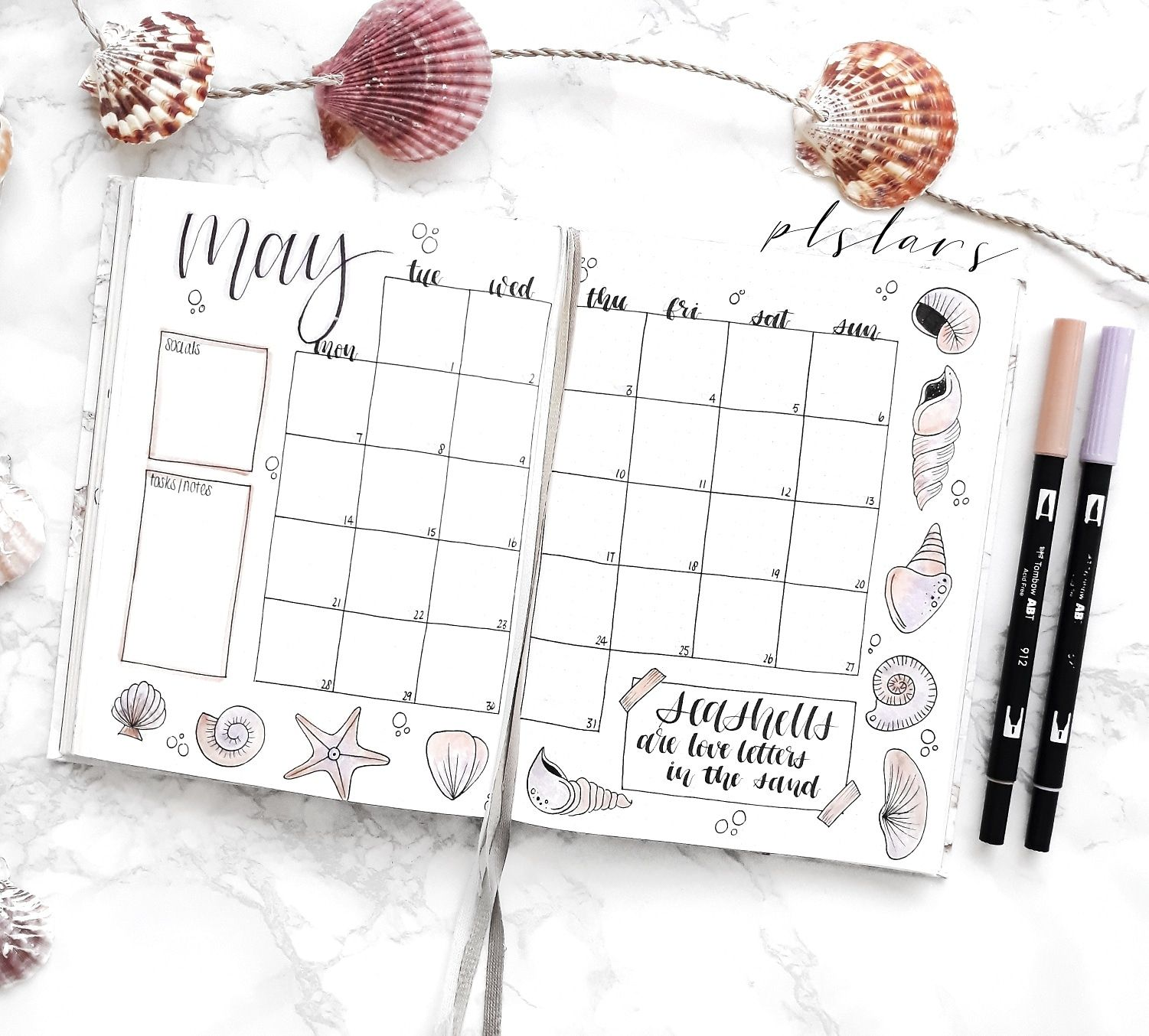 16 MONTHS 2019 WANDERLUST DIARY AND WEEKLY PLANNER Sept 2018 to Dec 2019