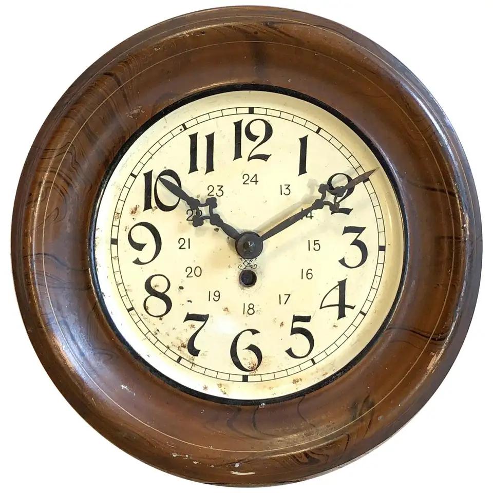 Vintage Brown Iron Clock 1930s In 2020 Clock Vintage Clock Vintage Brown