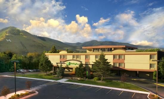 Holiday Inn Missoula Downtown At The Park Montana Overlooking Clark Fork River This In Heart Of Features An