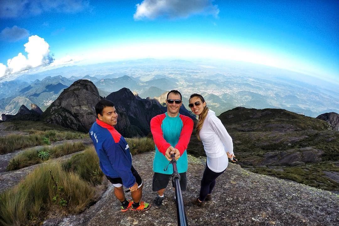 Sem palavras!! É lindo demais :) #tere #teresopolis #parnaso #amigos #pedradosino #trekking #hiking #montanha #mountains #adventure #aventura #insta #instagood #instagram #instamood #photooftheday #photo #trilha #trilheiros #gopro #goproblack #goprohero4 #goprobrasil by diego_andrade_