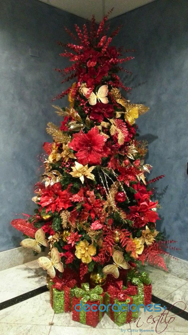 Rbol de navidad decorado en rojo y dorado 2013 for Arboles navidenos decorados