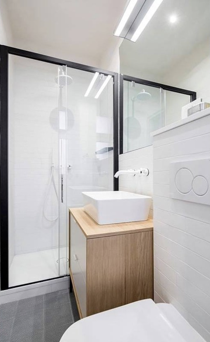 salle de bain douche cadre de douche noir meuble en bois ...