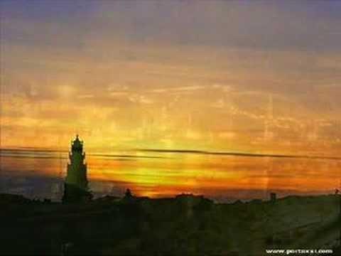 Videoclip com fotos da minha mui nobre e sempre invicta cidade do Porto (Oporto).     As fotos não são minhas (não tenho tempo para andar com a máquinas às costas) foram retiradas da net.    Créditos:  www.portoxxi.com  www.pbase.com/jandrade/ruas_do_porto