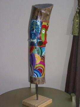 Les totems d 39 eric bois flott peint bois flott for Peindre du bois flotte