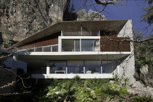 Casa L / Serrano Monjaraz Arquitectos (Distrito Federal, México) #architecture