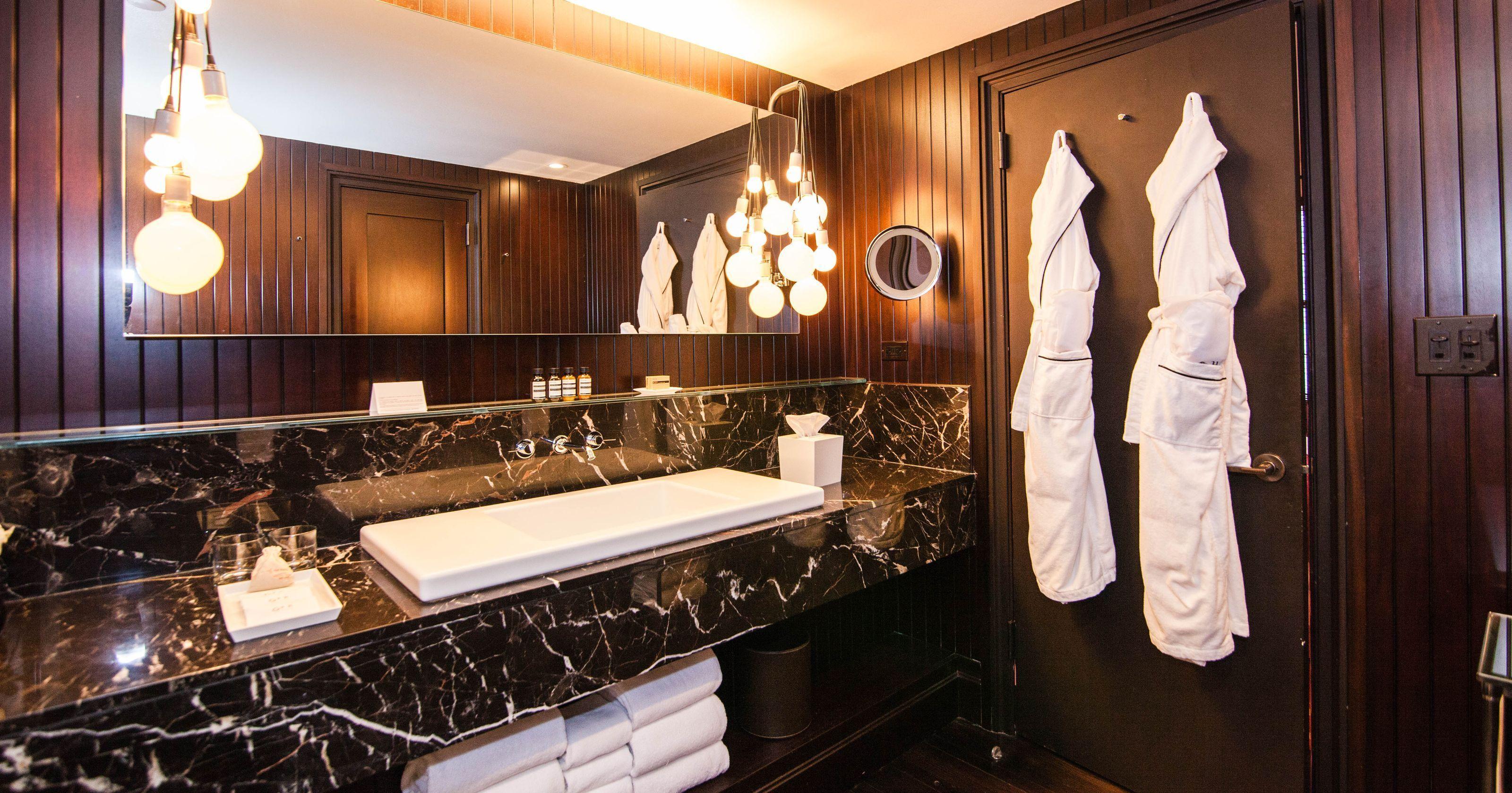 Americas Most Luxurious Hotel Bathrooms Bathrooms Pinterest Stunning Most Luxurious