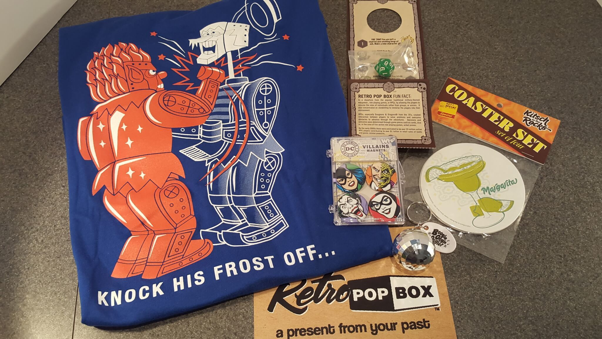 Retro Pop Box Subscription Box Review + Coupon - December 2015 70's Box #retropop