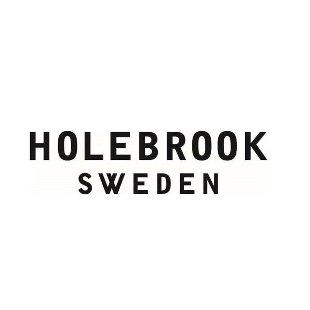 Its finally finished! Have a look at our new head office. The renovation started this summer. And here you see the result. We love it! #holebrooksweden #holebrook #ulricehamn #office #renovation #interior