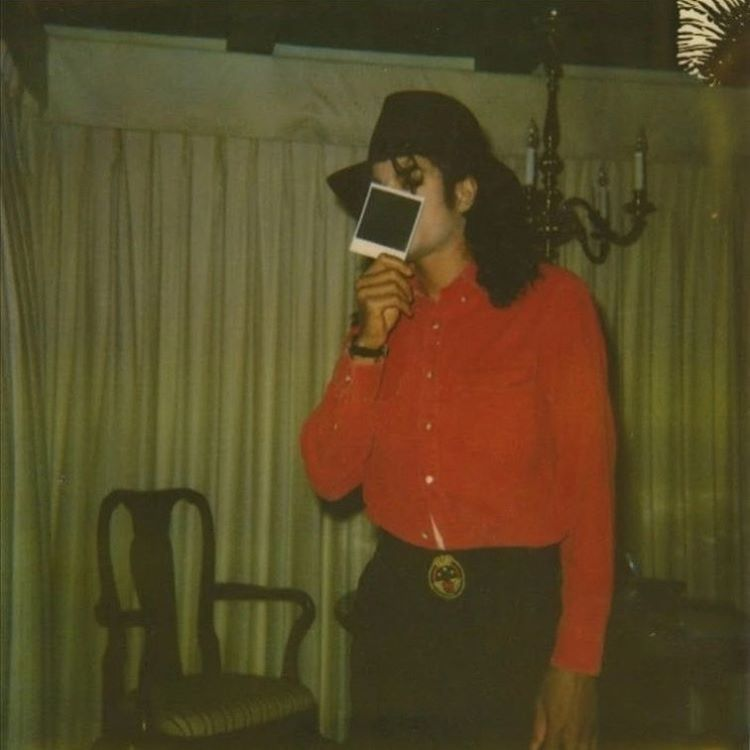 "Michael Jackson в Instagram: «""Wandering in darkness grope, Finding not a glimpse of hope. Fingers touch to find my way, Each foot fall, my heart betrays The fear which…» #michaeljackson"
