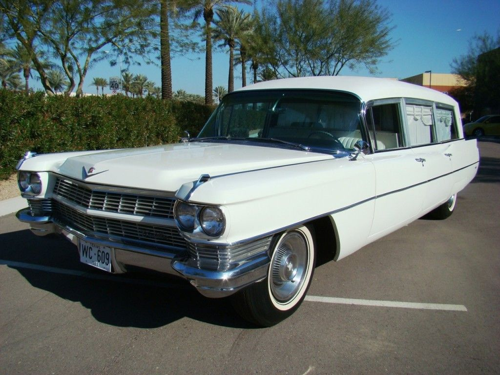 Jfk hearse sells for 160 000