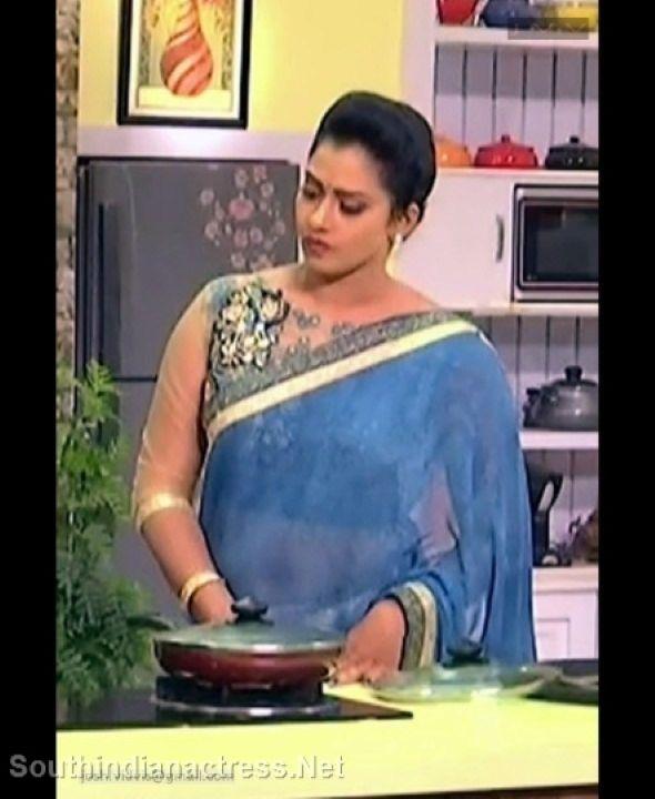 Top Indian Beauty: Tamil Tv Anchor Bhavana Glamour Stills