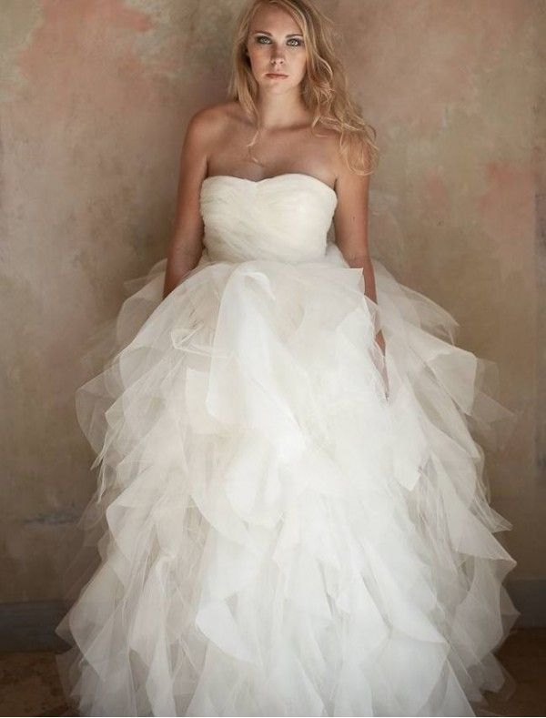 Nice Organza and Tulle Strapless Ball Gown in Wedding Dress with Convertible