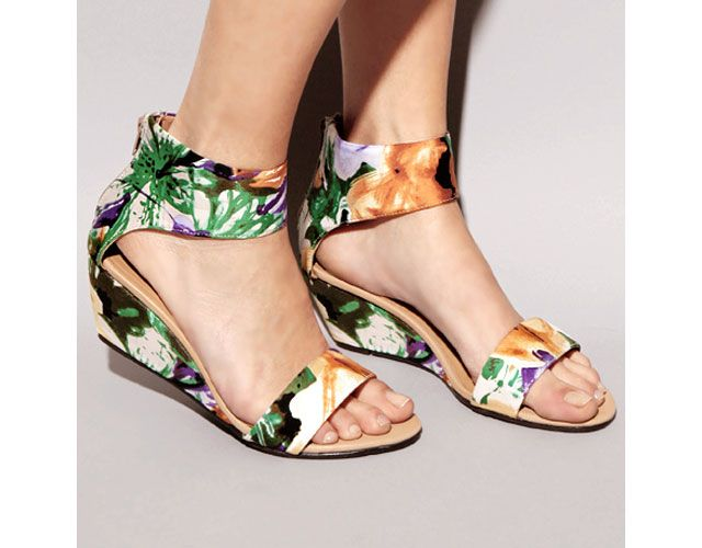 Floral sandals ,love love it