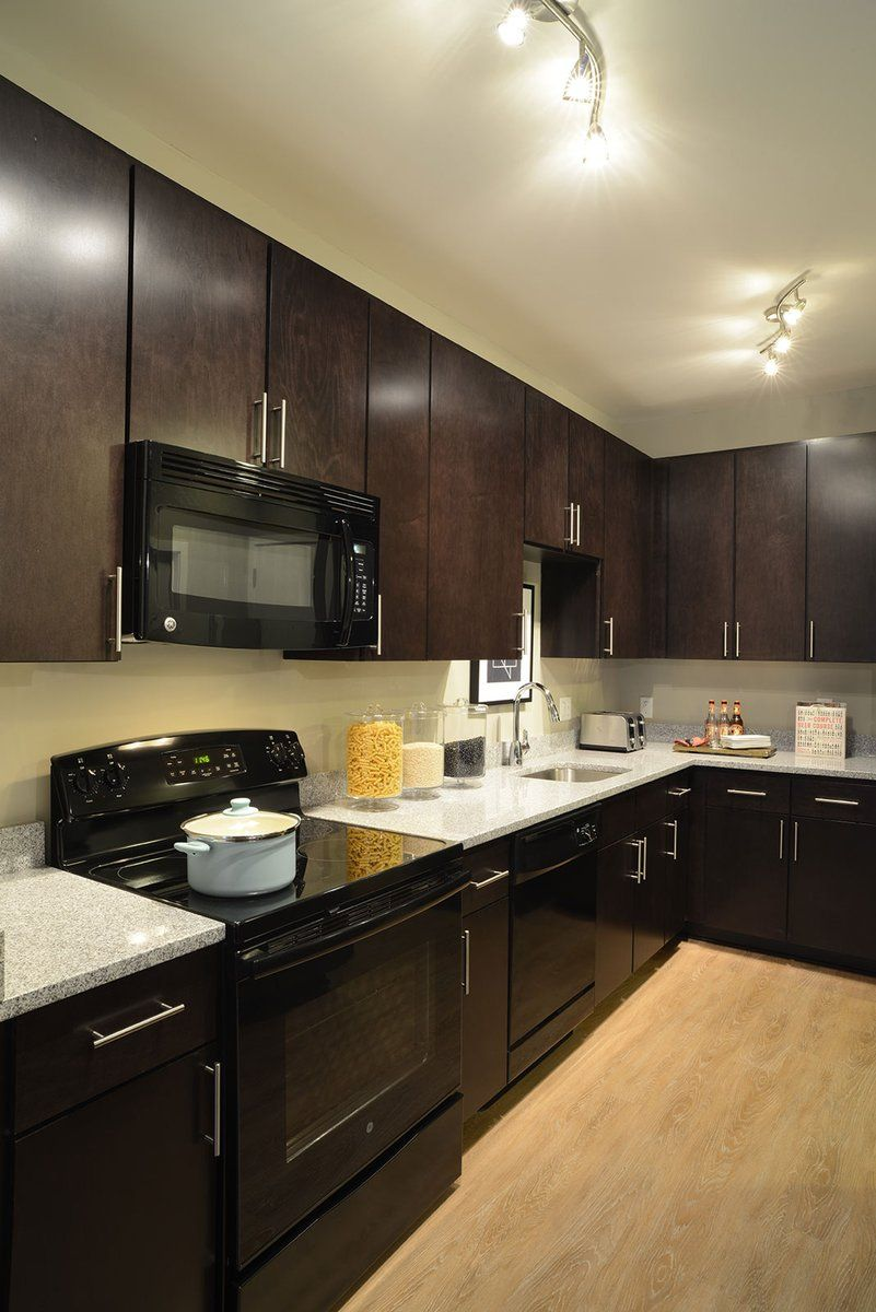Dark Cabinets With Black Appliances Me Casa In 2019