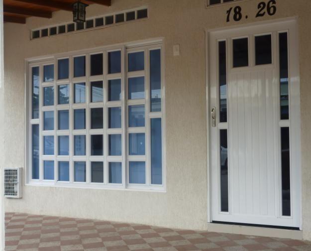 Puerta ventanas aluminio buscar con google puertas y for Imagenes de ventanas de aluminio modernas
