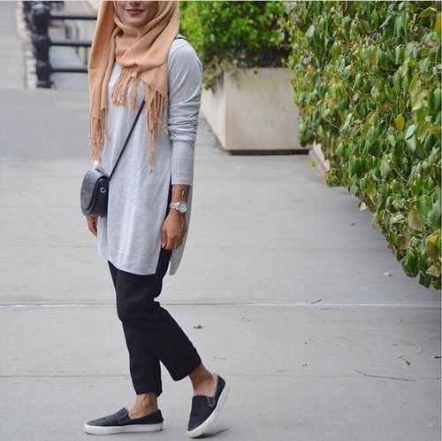 casual simple hijab with slip on shoes, Neutral hijab outfit ideas http//