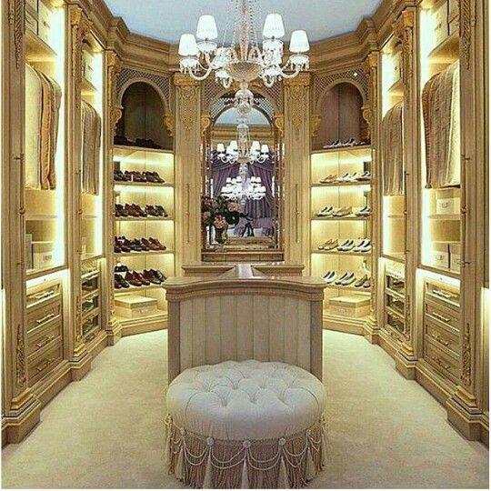Pin von Naanyu💋💕 auf Closet | Pinterest | Luxus, Kleiderschränke ...