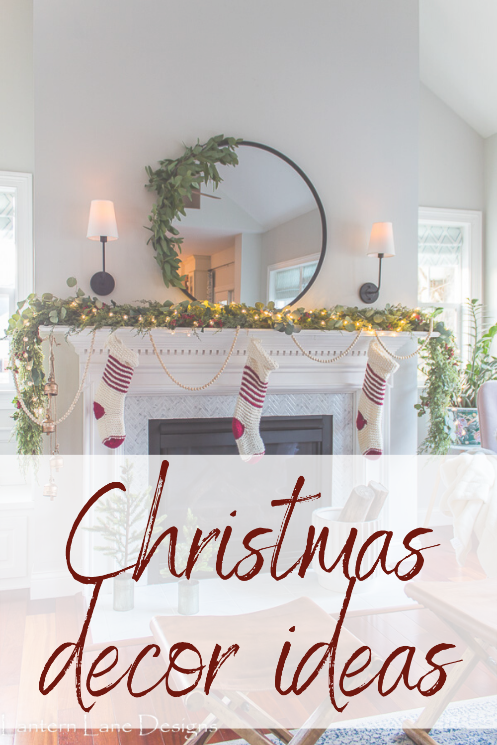 Walking In A Winter Wonderland Christmas Home Tour. I teamed up with some amazing bloggers to show you how to decorate your home for Christmas #christmas #homedecor